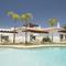 Snaptrip - Holiday cottages - Luxury Lagoa Cottage S116033 -