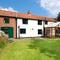 Snaptrip - Last minute cottages - Quaint Hickling Rental S11959 - Exterior