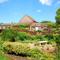 Snaptrip - Last minute cottages - Gorgeous Melton Constable Rental S11909 - Garden