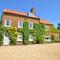 Snaptrip - Last minute cottages - Adorable Heacham Rental S11727 - Exterior