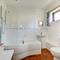 Kings Cottage Barn Bathroom