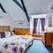 Snaptrip - Last minute cottages - Wonderful Polperro Lodge S43016 - Bedroom 1
