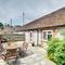 Snaptrip - Last minute cottages - Beautiful Storrington Cottage S81495 -