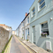 Snaptrip - Holiday cottages - Lovely Brighton Cottage S104212 -