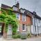 Snaptrip - Last minute cottages - Excellent Cranbrook Rental S10338 - CB576 Exterior
