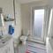 Salt Cottage EK227 Bathroom
