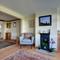 Snaptrip - Last minute cottages - Quaint Hawkhurst Cottage S85446 - Open plan living area