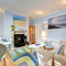 Snaptrip - Last minute cottages - Quaint Hove Apartment S87917 -