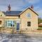 Snaptrip - Last minute cottages - Luxury Ebberston Cottage S97184 -