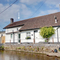 Snaptrip - Holiday cottages - Inviting Braunton Rental S12195 - N1796 - External - with arrow