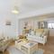 Snaptrip - Last minute cottages - Stunning Lavenham Cottage S79744 - Open Plan Sitting Area - View 1