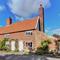 Snaptrip - Last minute cottages - Captivating Orford Cottage S97500 -