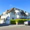 Snaptrip - Last minute cottages - Tasteful Swanage Apartment S11527 - Exterior