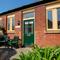 Snaptrip - Last minute cottages - Tasteful  Lodge S26450 - Woodentops