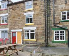 Snaptrip - Last minute cottages - Cosy Saltburn By The Sea Cottage S3027 -