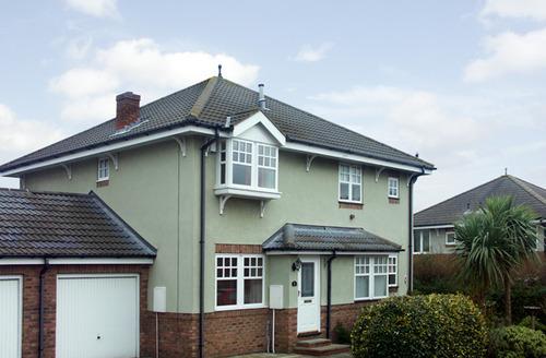 Snaptrip - Last minute cottages - Lovely Scarborough Court S3074 -