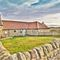 Snaptrip - Last minute cottages - Lovely Beadnell Bungalow S97946 -