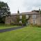 Snaptrip - Last minute cottages - Tasteful Harrogate Cottage S122165 -