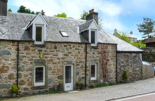 Snaptrip - Last minute cottages - Splendid Strathyre Cottage S33616 -