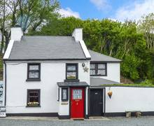 Snaptrip - Last minute cottages - Tasteful Letterkenny Cottage S33620 -