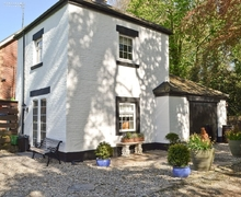 Snaptrip - Last minute cottages - Lovely Blackpool Cottage S33744 -
