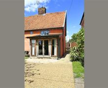 Snaptrip - Last minute cottages - Quaint Framlingham Cottage S33837 - Exterior - View 1