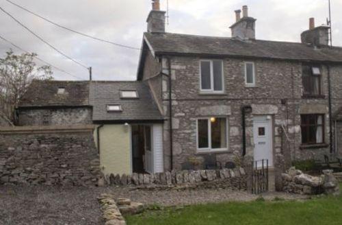 Snaptrip - Last minute cottages - Quaint Levens Cottage S33857 - Limestone Cottage, self catering, Lakes Cottage Holidays