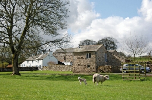 Snaptrip - Last minute cottages - Exquisite Maulds Meaburn Cottage S33869 - Brew House, view to cottage, Lakes Cottage Holidays