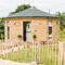 Snaptrip - Last minute cottages - Charming Wootton Bridge Lodge S59852 -