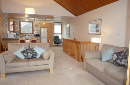 Snaptrip - Last minute cottages - Excellent 2 Bedroomed Lodge S33887 - Keswick Bridge, Lounge, Lakes Cottage Holidays