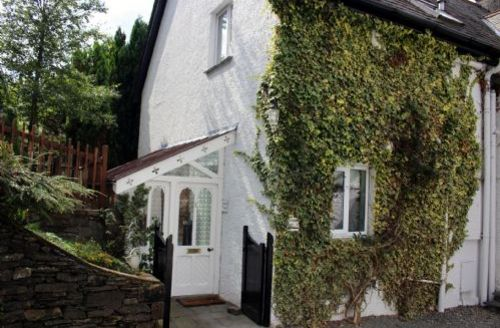 Snaptrip - Last minute cottages - Inviting Windermere Cottage S33893 - Thwaites Cottage, self catering Windermere, Lakes Cottage Holiday