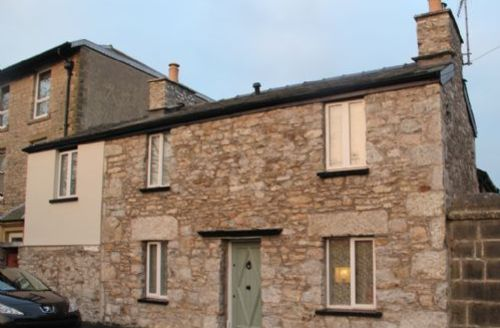 Snaptrip - Last minute cottages - Wonderful Arnside Cottage S33928 - Rose Cottage, Arnside, self catering, Lakes Cottage Holidays