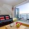 Snaptrip - Last minute cottages - Wonderful Seaton Apartment S76403 -