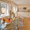 Snaptrip - Last minute cottages - Tasteful Yarmouth Cottage S76665 -