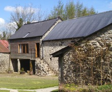 Snaptrip - Holiday cottages - Cosy Lower Cator Cottage S33978 -
