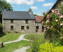 Snaptrip - Last minute cottages - Adorable Lower Cator Cottage S33981 -