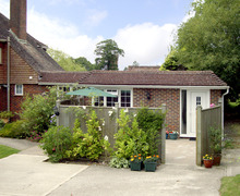 Snaptrip - Last minute cottages - Luxury Haywards Heath Cottage S3165 -