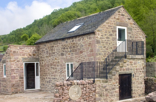 Snaptrip - Last minute cottages - Gorgeous Matlock Barn S3172 -