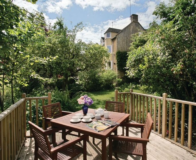 Beckwood Cottage, Blockley, Moreton-in-Marsh Beckwood is a converted 17th century silk mill providing holiday accommodation for four guests