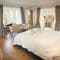 Slowpool & Littlepool, Offwell, near Honiton Ground floor: Bluebell bedroom with king size bed and en-suite shower room