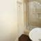 Slowpool & Littlepool, Offwell, near Honiton First floor: En-suite shower room accessed via the Chestnut bedroom