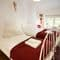 Slowpool & Littlepool, Offwell, near Honiton First floor: Holly bedroom with two single beds