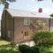 Draenllwynellen, Montgomery, near Newtown Draenllwynellen is a beautifully refurbished detached farmhouse