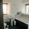 Willington Farmhouse, Willington, near Shipston on Stour First floor: Bathroom, shower and wc