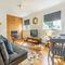 Snaptrip - Last minute cottages - Gorgeous Docking Cottage S114057 -