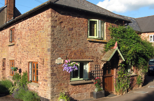 Snaptrip - Last minute cottages - Wonderful Timberscombe Cottage S34143 -