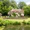 Snaptrip - Last minute cottages - Cosy Fordingbridge Cottage S102340 -