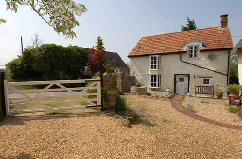 Snaptrip - Last minute cottages - Captivating Winsham Cottage S34242 -