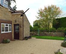 Snaptrip - Last minute cottages - Quaint Langton Herring Cottage S34251 -