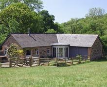 Snaptrip - Last minute cottages - Beautiful Roborough Cottage S34272 -